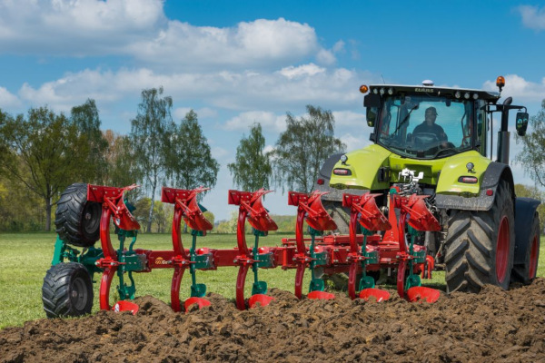 Great Plains | Conventional Tillage | EO Series Plow for sale at Salem Farm Supply, New York