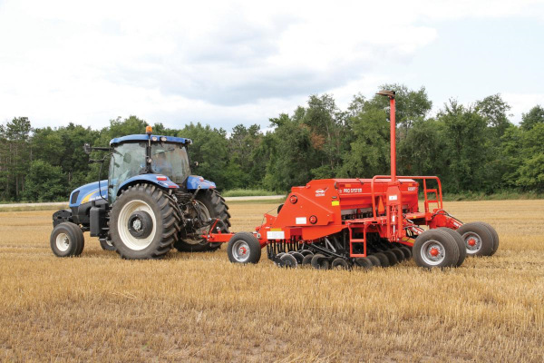 Kuhn 5200-25 Pull-Type Folding for sale at Salem Farm Supply, New York