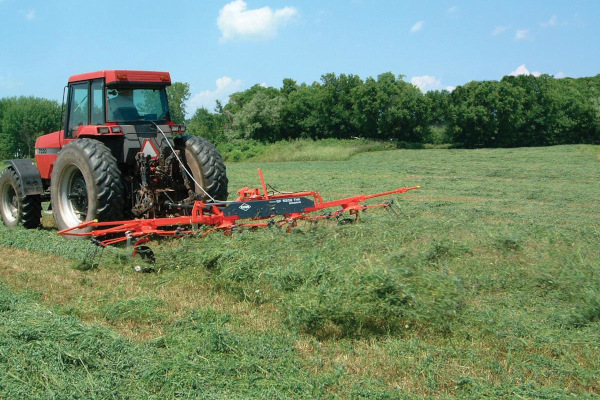 Kuhn | Tedders | GF 1002 T Series for sale at Salem Farm Supply, New York