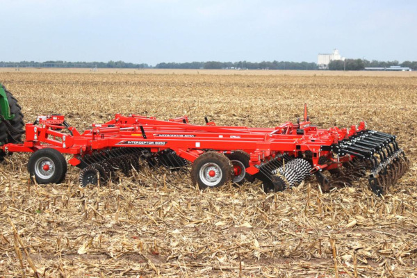 Kuhn | High-Speed Conventional Tillage | Interceptor® 8050 for sale at Salem Farm Supply, New York