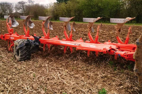 Kuhn | Mounted Rollover Plows | Vari-Master 153 for sale at Salem Farm Supply, New York