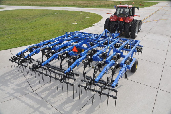 Landoll | Primary Tillage | 2100 Coulter Chisel for sale at Salem Farm Supply, New York
