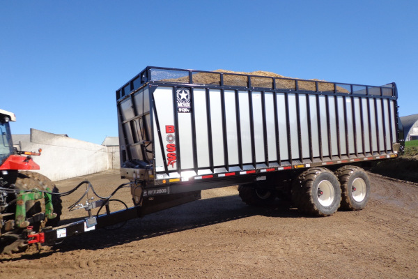 Meyer Farm | Rear Unload Forage Boxes | 9100 RT BOSS Truck / Cart Mount for sale at Salem Farm Supply, New York