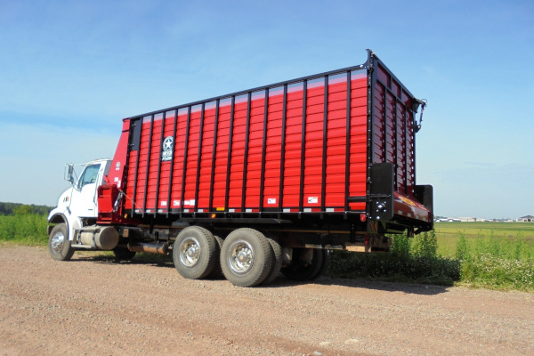 Meyer Farm | RTX200 Front & Rear Unload Forage Box  | Model RTX224 for sale at Salem Farm Supply, New York