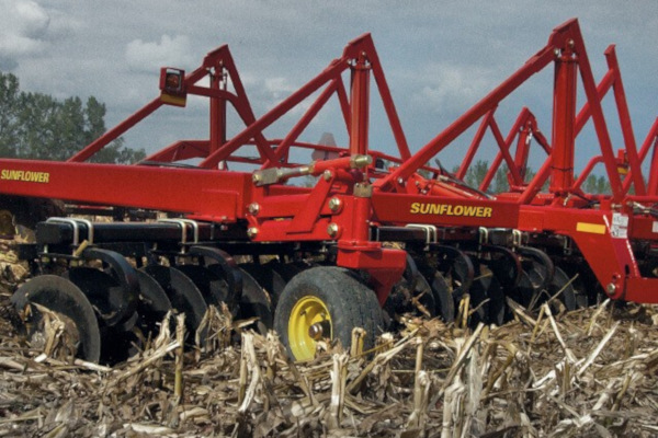 Sunflower | Tandem Disc Harrows | Model 1544 Four-Section Disc Harrows for sale at Salem Farm Supply, New York