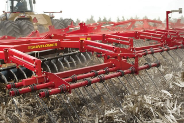 Sunflower | Tandem Disc Harrows | Model 1550 Five-Section Flexible Disc Harrows for sale at Salem Farm Supply, New York
