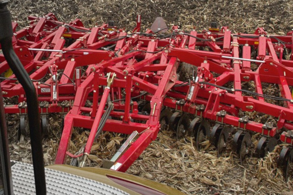 Sunflower | Primary Tillage | 4511 / 4530 Disc Chisel for sale at Salem Farm Supply, New York